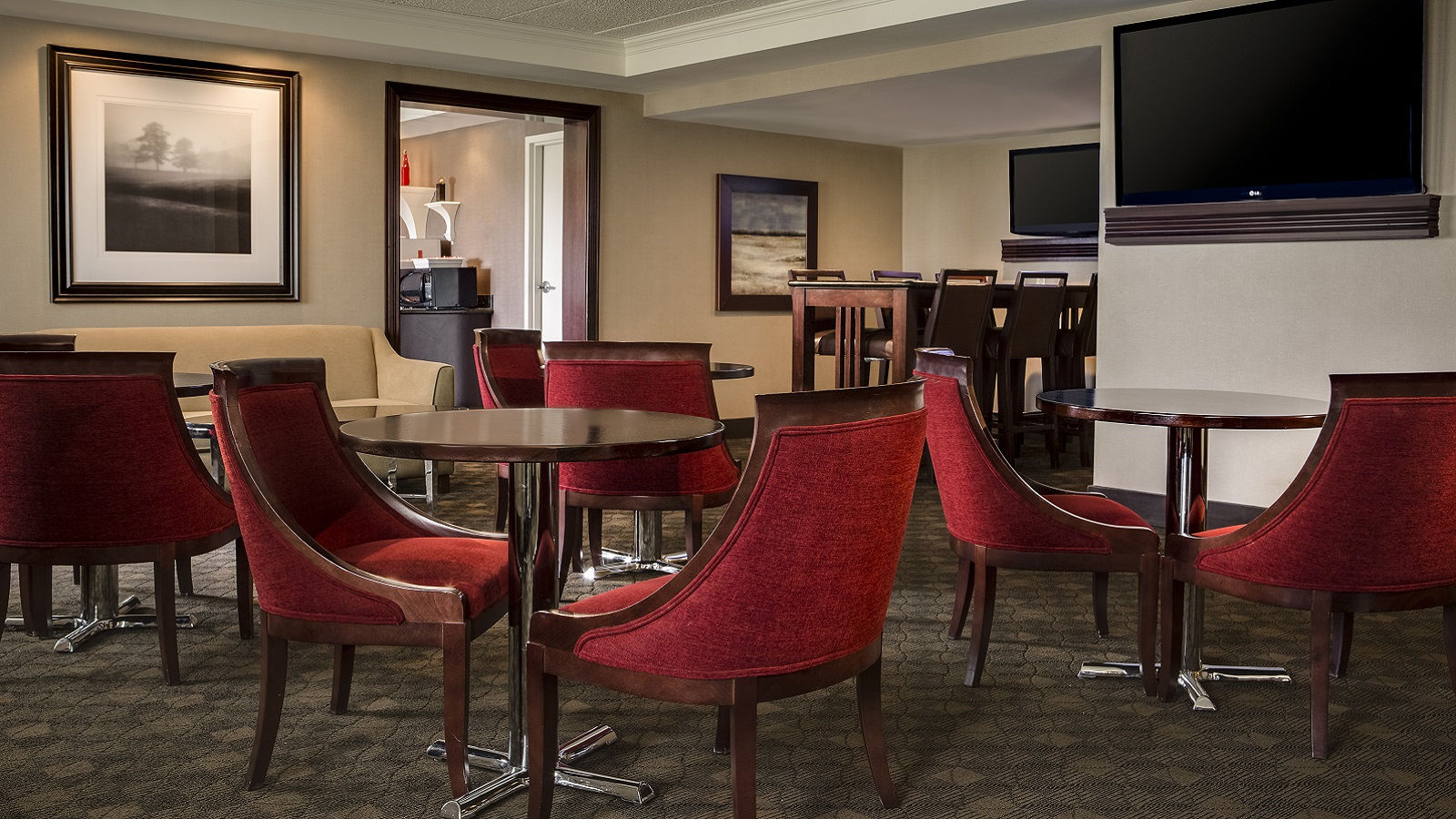 Omaha Hotel Features - Sheraton Club